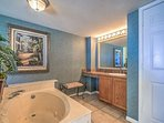 King Suite Full Bath w/ Garden Tub & Walk In Shower