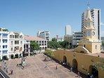 Vista a la Torre del Reloj, principal acceso al Centro Histórico.