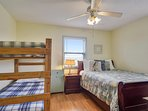4th bedroom (2nd level) Queen plus set of twin bunks