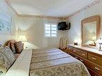Bedroom 2 | King or Twins