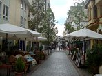 Town center with restaurants, cafes and all you need for a lovely stay, 5 min walk from Garden House