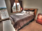Queen Size Bed - This studio condo features a real queen size bed!