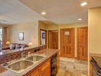 SkyRun Property - 'Highland Greens Lodge 210' - Kitchen