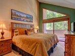 King Master Bedroom - Upper Level