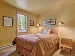 Comfortable queen bedroom
