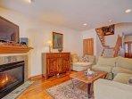 Living Room TV & Gas Fireplace