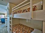 3/4 bunk beds