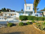 Aegean View newly renovated 4 Bedroom villa with proximity to 5 beaches.