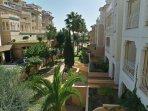 Izquierda Hotel melia y derecha nuestra Urbanización
