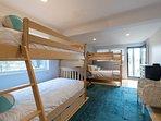 Kids/Teen Bedroom, Jack & Jill Bath