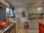 Well equipped kitchen for lovers of cooking and entertaining