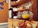 Abalonia Inn - Kitchen Area