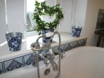 stunning romantic roll top bath ,