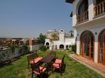 Garden with views of the Isabey mosque, with open fire place and wood burning oven