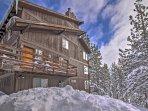 Sarai immerso tra gli alberi alpini in questa affascinante casa a schiera Stateline.