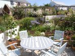 Garden with plenty of outside seating areas