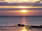 Lever du soleil plage de Lodonnec à 700 m de la maison