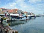 Il mercato galleggiante a Willemstad