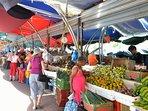 Il mercato galleggiante a Willemstad dal punto di vista marinai d'acqua dolce