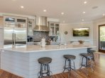 Kitchen Perfect for Entertaining Entire Family!