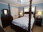 Queen Bedroom - Ground Floor