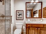 16_Oxford-Court-202_bathroom.jpg