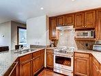 6_Ascent 304_kitchen.jpg