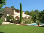 Splendid Provençale villa -stone arches, Monumental fireplace double-height living area,Spacious-fun
