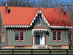 BWL Inn was built in 1850.  Once a viable Peach Plantation, Blue Wing is on the National Historial.