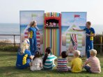 Enjoy an outdoor show with the children
