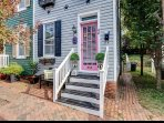 Excellent Location in Downtown Annapolis- walk to everything !