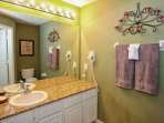 En-Suite Bath to Upstairs King Master w/Shower & Tub Combination