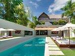 Villa Elegancia By Bali Villas Rus - Luxury Villa in Central SEMINYAK