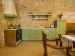 Fully equipped and functional kitchen