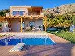 Garden -Swimming pool-barbeque