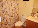Master En-suite full bathroom
