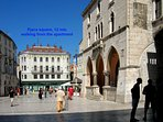 Pjaca square, 12 min walking from the apartment