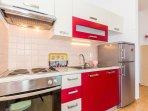 A3 Crveni (2+2): kitchen