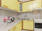 A1 žuti(4): kitchen