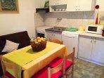 A4(3+1): kitchen