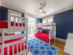 Bunk room for up to 5 kids with smart TV
