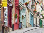 Award Winning 'Best Street In The UK' - Lincoln's Steep Hill