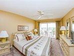 Bedroom,Indoors,Room,Bench,Home Decor