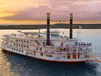 Showboat Branson Belle- 10 min away