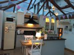 Beckside Cottage Eamont bridge Cumbria, sleeps 4, garage and parking space, private garden on river