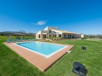 Villa with the garden and swimming pool
