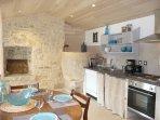 La Ponne, cuisine et espace repas