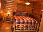 Private downstairs bedroom with queen bed - Sleeps 2 ~Wolf Ridge Retreat