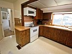 Fully equipped kitchen with all appliances, breakfast bar for 2 and ocean views