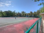 Tennis Courts - Nice tennis courts to have a fun game of tennis with family and friends!